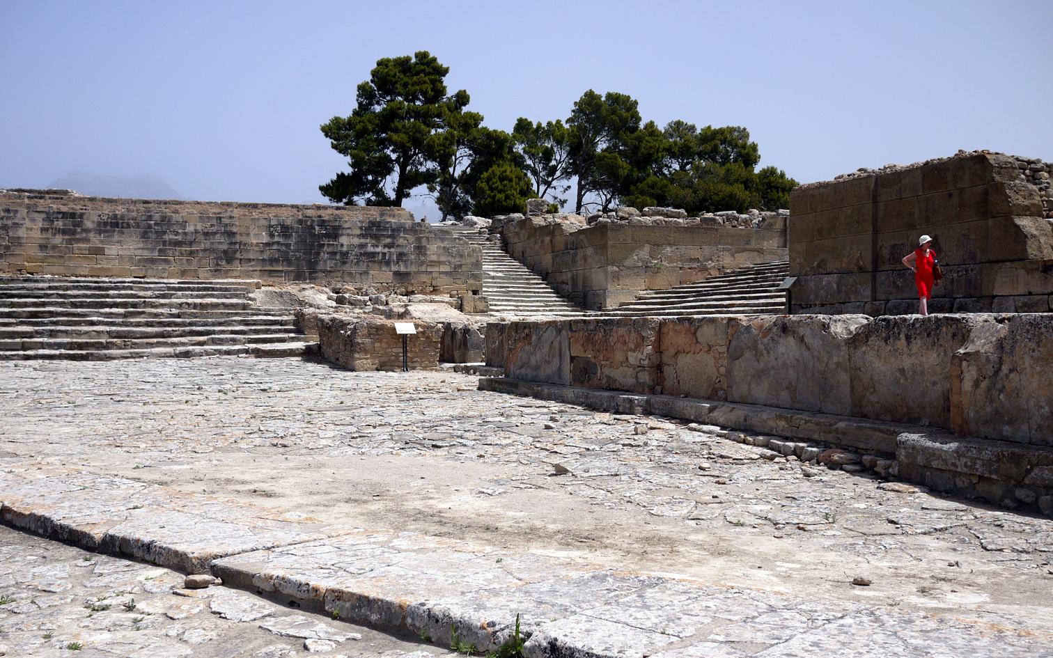Phaistos west court